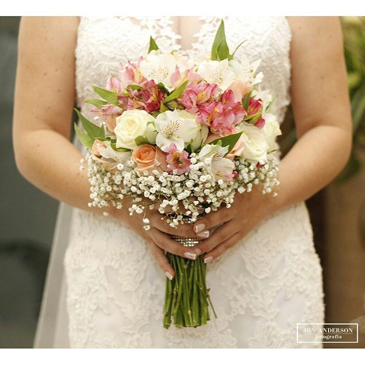 Escolha sua flor predileta para o seu buqu! noivas buqueshellip